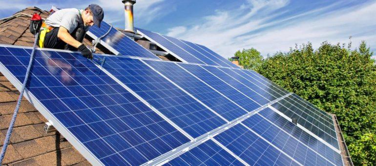 Installer des panneaux solaires pour réduire ses impôts ?